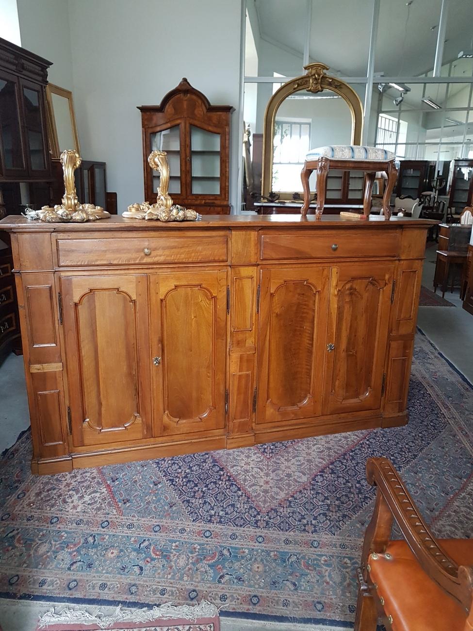Antichit vendita restauro mobili for Svendita mobili milano