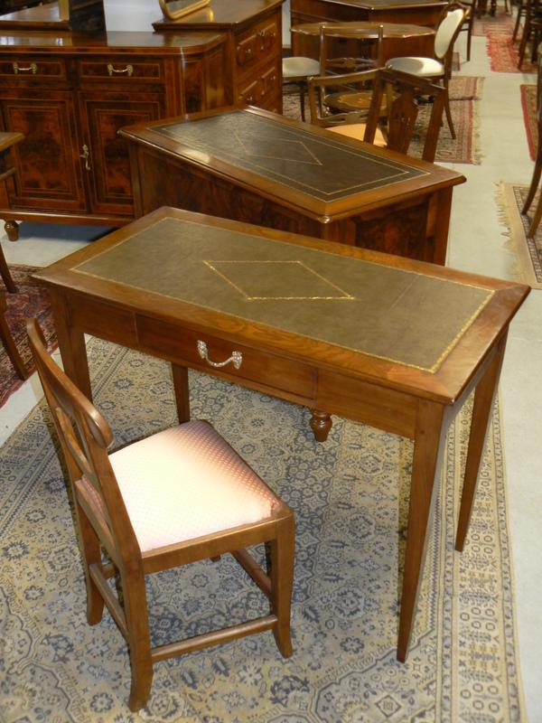 Antichit vendita restauro mobili for Scrivanie in vendita