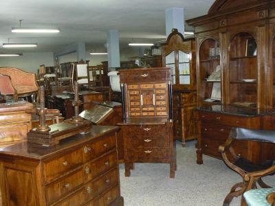 Antiquariato pirovano milano vendita antiquariato mobili for Svendita mobili milano